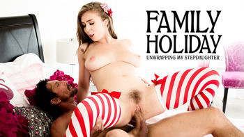Lena Paul in Family Holiday