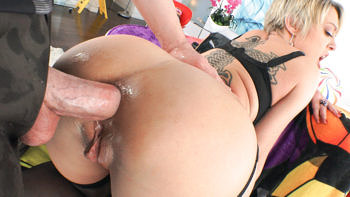 Dee Williams in Anal Super Powers