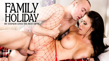 Reagan Foxx in Family Holiday