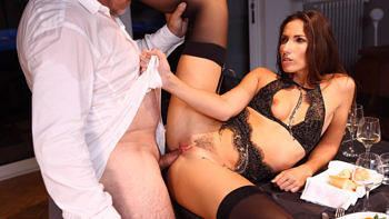 Clea Gaultier in A Submissive For Dinner