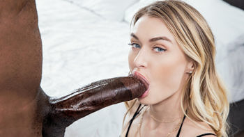 Natalia Starr in Dream Hook Up