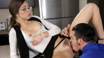 Riley Reid in Pleasure Business