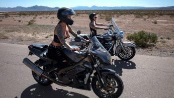 Anna Bell Peaks & Felicity Feline in Bloodthirsty Biker Babes